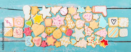 Banner, viele Plätzchen oder Kekse bilden die Form einer Teigrolle oder Nudelholz, Backen und Weihnachten