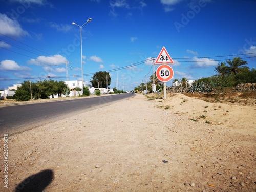 Fotografía  Verkehrszeichen Tempolimit