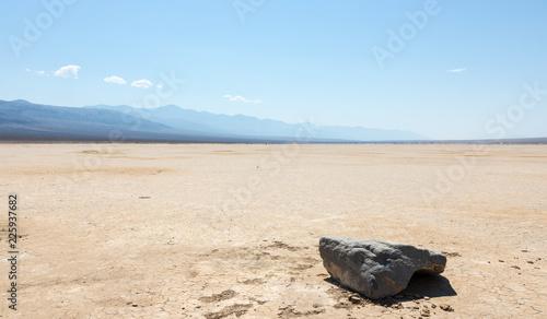 Keuken foto achterwand Verenigde Staten Lonely rock in a desertic area in Nevada, USA