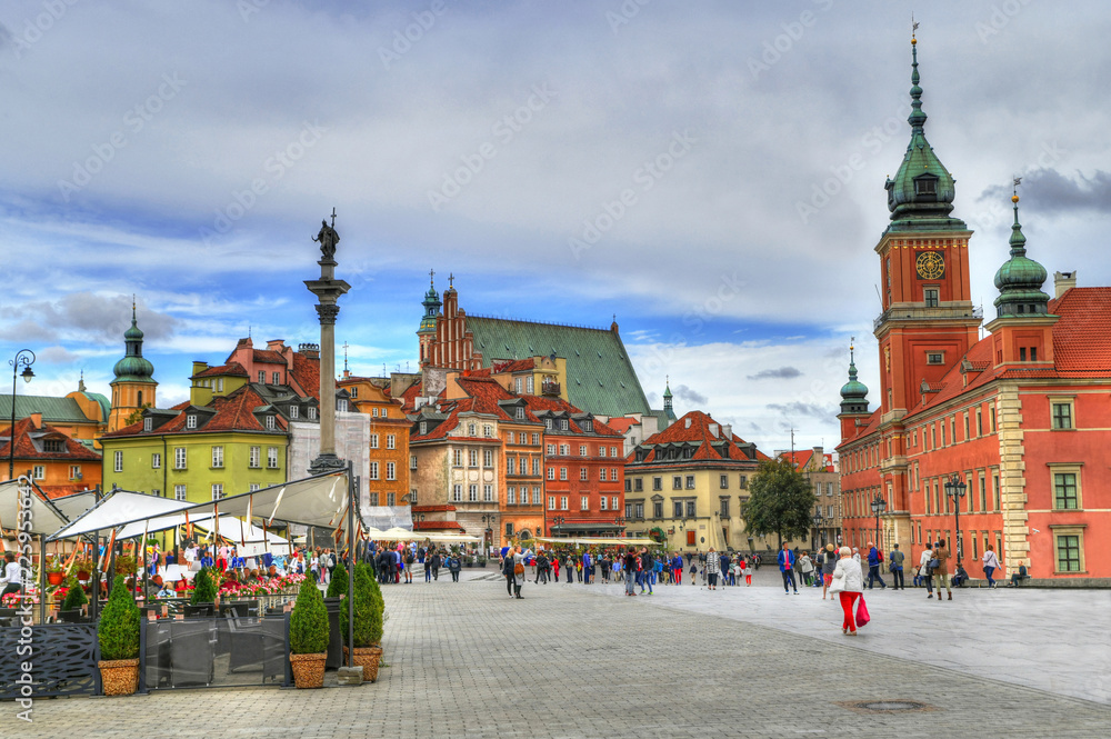 Fototapety, obrazy: Beautiful colorful HDR image of the tourists at the famous Old town in Warsaw, Poland. The Royal Castle and Sigismund's Column called Kolumna Zygmunta, Warsaw, Poland
