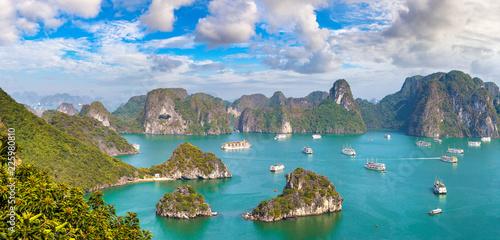 Deurstickers Asia land Halon bay, Vietnam