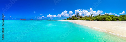 Photo Stands Turquoise Tropical beach in the Maldives
