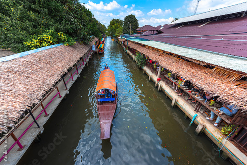 Photo  Khlong Lat Mayom Floating Market,Bangkok Thailand.