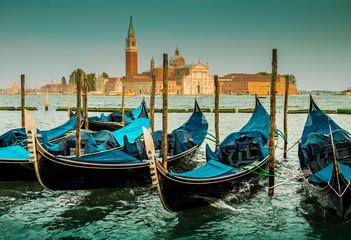Panel Szklany Vintage Italy, Venice landscape with gondolas - blue tones