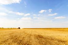 Combine Harvester Harvesting S...