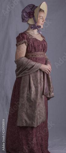 Photo Regency woman wearing a bonnet