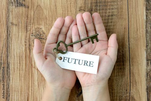 子どもの手と未来への鍵 Canvas Print