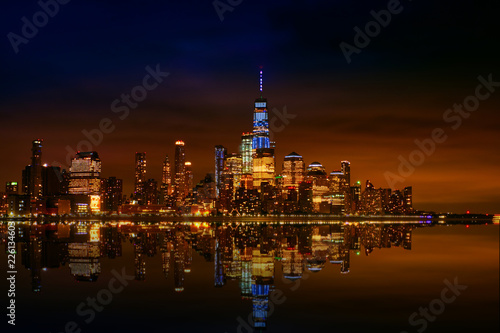 Tuinposter Toronto Manhattan at night, View from Hoboken,New York City,USA