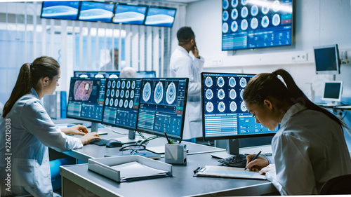 Photo  Team of Professional Scientists Work in the Brain Research Laboratory