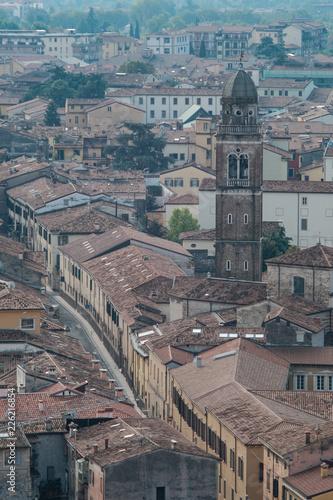 Foto  Verona, Italy - September 15, 2018 - Catholic Cathedrals of Verona