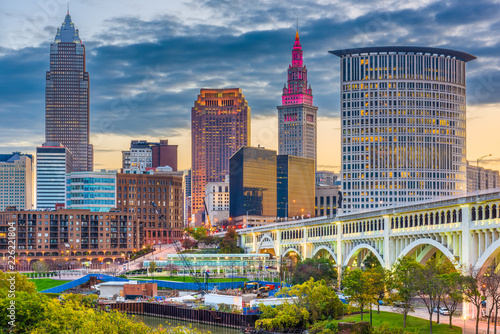 Cleveland, Ohio, USA downtown city skyline on the Cuyahoga River Fotobehang