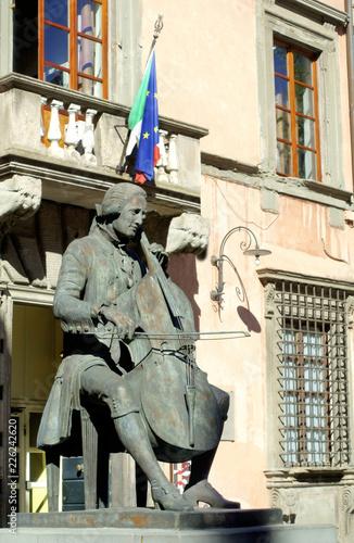 Photographie  Statue of Luigi Boccherini