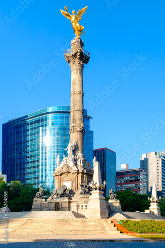 Tuinposter The Angel of Independence, a symbol of Mexico City