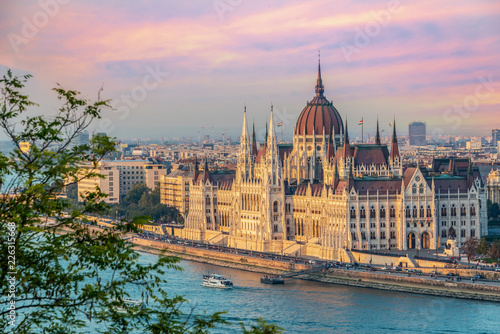 Tuinposter Boedapest Aerial view of Budapest parliament andt the Danube river at sunset, Hungary