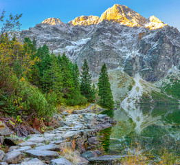 Obraz na Szkle Do sypialni Tatra National Park, hiking trail around a mountain lake, hiking, Poland