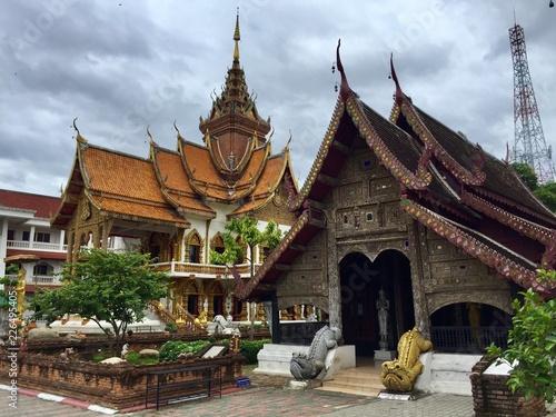 Fotobehang Bedehuis buddhist temple in bangkok thailand