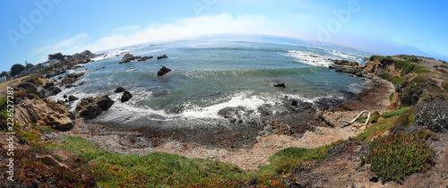 Keuken foto achterwand Verenigde Staten Fisheye view of rugged Central California coastline at Cambria California United States