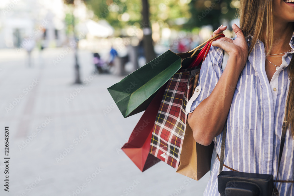 Fototapety, obrazy: Pretty woman in shopping