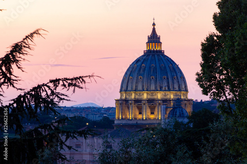 Photo St. Peter's Basilica Sunset
