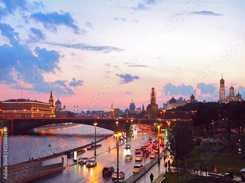 Poster Cracovie view from the bridge to the Kremlin, Moscow river and Moscow City. Panorama at sunset, Moscow, Russia