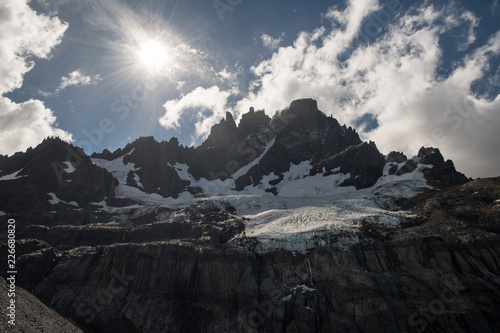 Fototapety, obrazy: Sun shining above the Cerro Castillo mountain