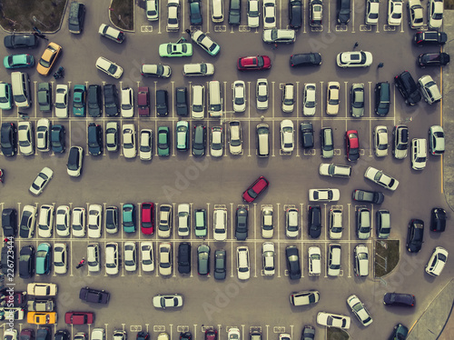 Fotomural A view from above to the process of car parking