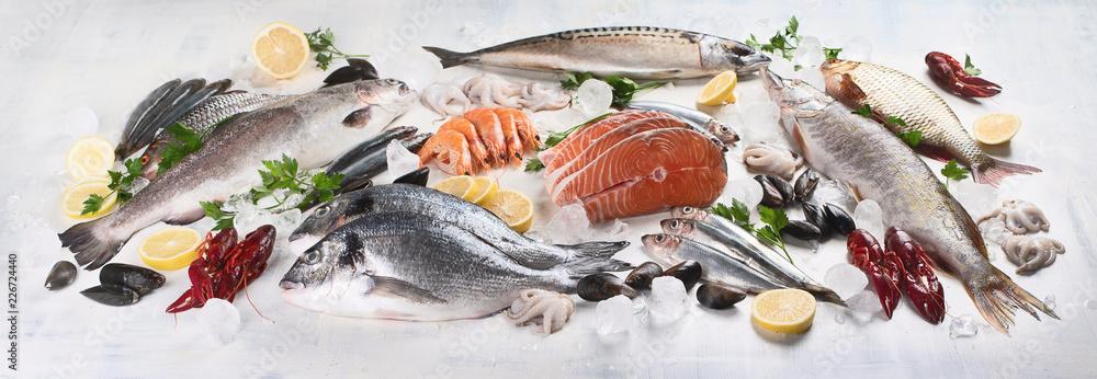 Fototapeta Fresh fish and seafood