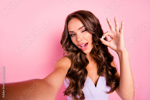 Fotografía  Self-portrait of nice adorable attractive cute gorgeous positive