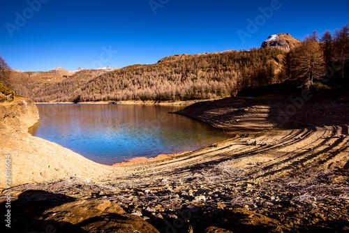 Fotobehang Dam dam lake beautiful mountain landscape - autumn season