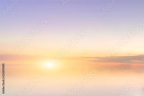 Poster Mer coucher du soleil Majestic summer sunset over the Chudskoy lake