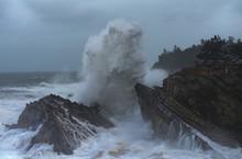 Oregon Coast Huge Wave