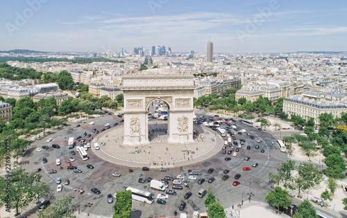 Valokuva  Aerial view of Arc of Triumph, Paris