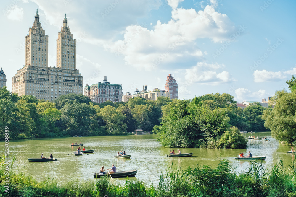 Fototapety, obrazy: The Eldorado Building seen from Central Park, NYC