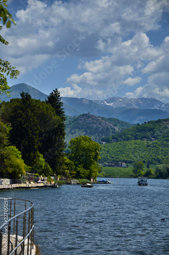 Foto auf Gartenposter Reflexion Lake Piediluco, Umbria, Italy