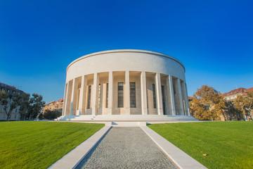 Zagreb, Hrvatska, umjetnička galerija i prekrasni zeleni park u središtu glavnog grada Hrvatske, klasična monumentalna arhitektura