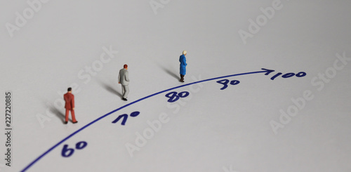 Fotografía  Miniature people and the concept of an aging society.