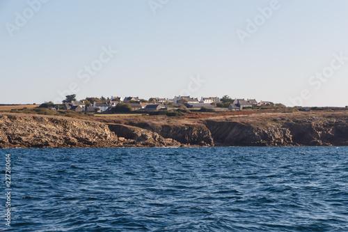 Fotobehang Kust La côte à Primelin en Bretagne vue de la mer
