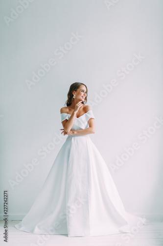 Fotografía A concept wedding, contemporary European bride