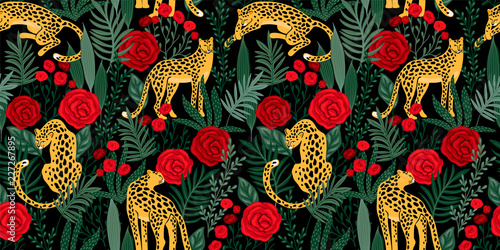 Foto Vestor seamless pattern with leopards, tropical leaves and roses.