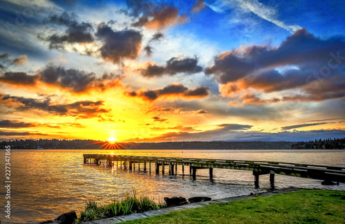 Foto op Canvas Tropical strand Sunrise on Lake Washington