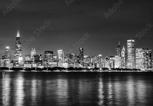 Fototapety, obrazy: Black and White Chicago Skyline at Night