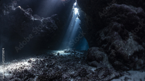 Caves in the Red Sea Fototapet