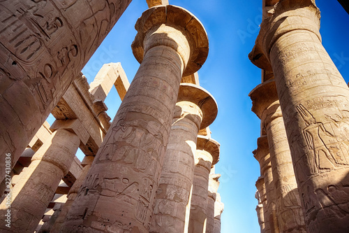 Papiers peints Con. ancienne Great Hypostyle Hall and clouds at the Temples of Karnak