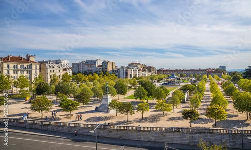 Obraz Valence en France et son parc - fototapety do salonu