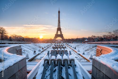 Spoed Foto op Canvas Centraal Europa Eiffelturm im Winter, Paris, Frankreich