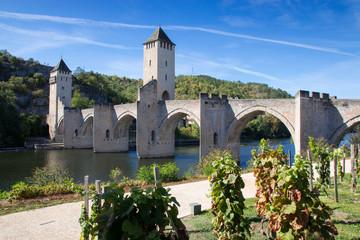 Fototapeta na wymiar Le pont Valentré à Cahors, Lot