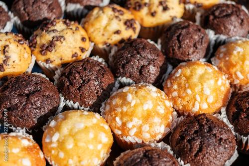 Obraz na plátně many mini muffins on dessert buffet - muffin closeup -