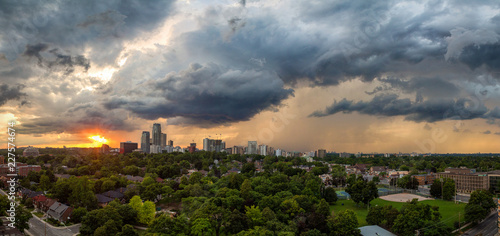 Fotografía  Sunset over midtown toronto