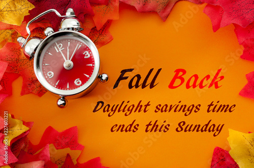 Photo Fall back, the end of daylight savings time and turn clocks back on hour concept