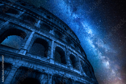 In de dag Centraal Europa Milky way and Colosseum at night in Rome, Italy